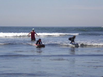 kids_surfin